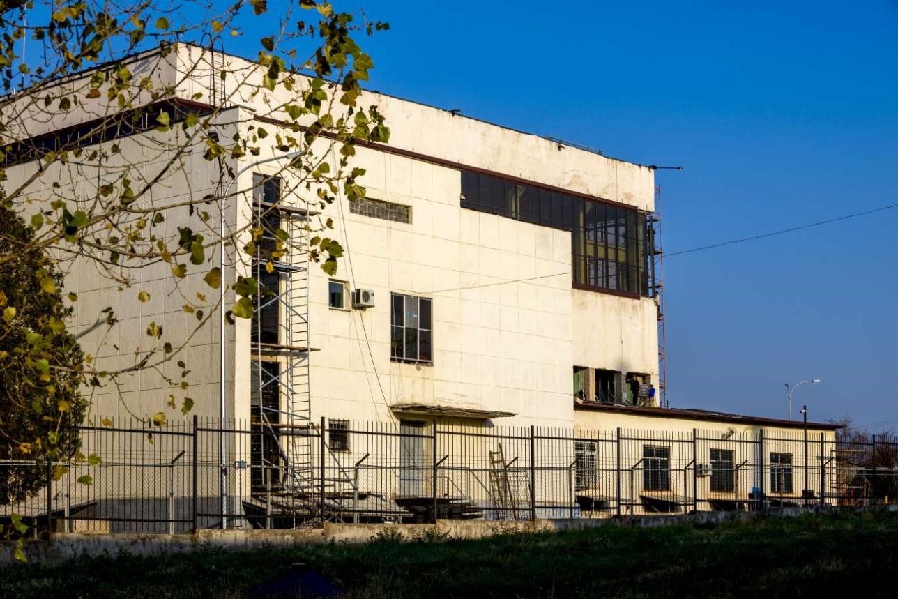 Здание реактора ВВРК снаружи