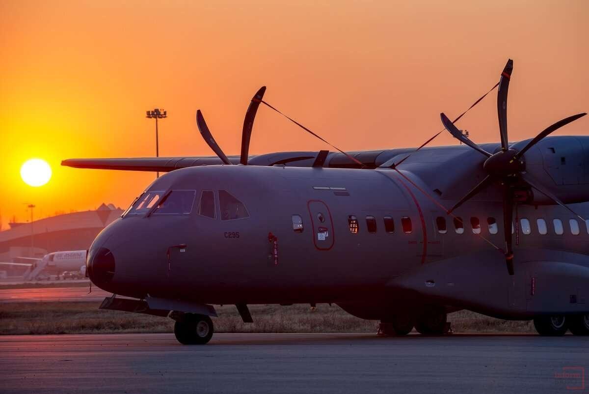 Самолёт будет находиться в боевом составе 281-й транспортной эскадрильи ВВС