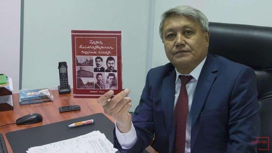Один из составителей алфавита казахского языка на латинской графике - Ербол Тлешов