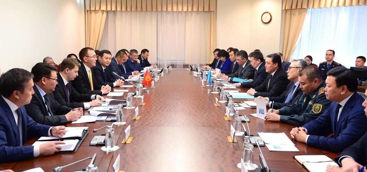 Казахстан и Кыргызстан подписали Дорожную карту