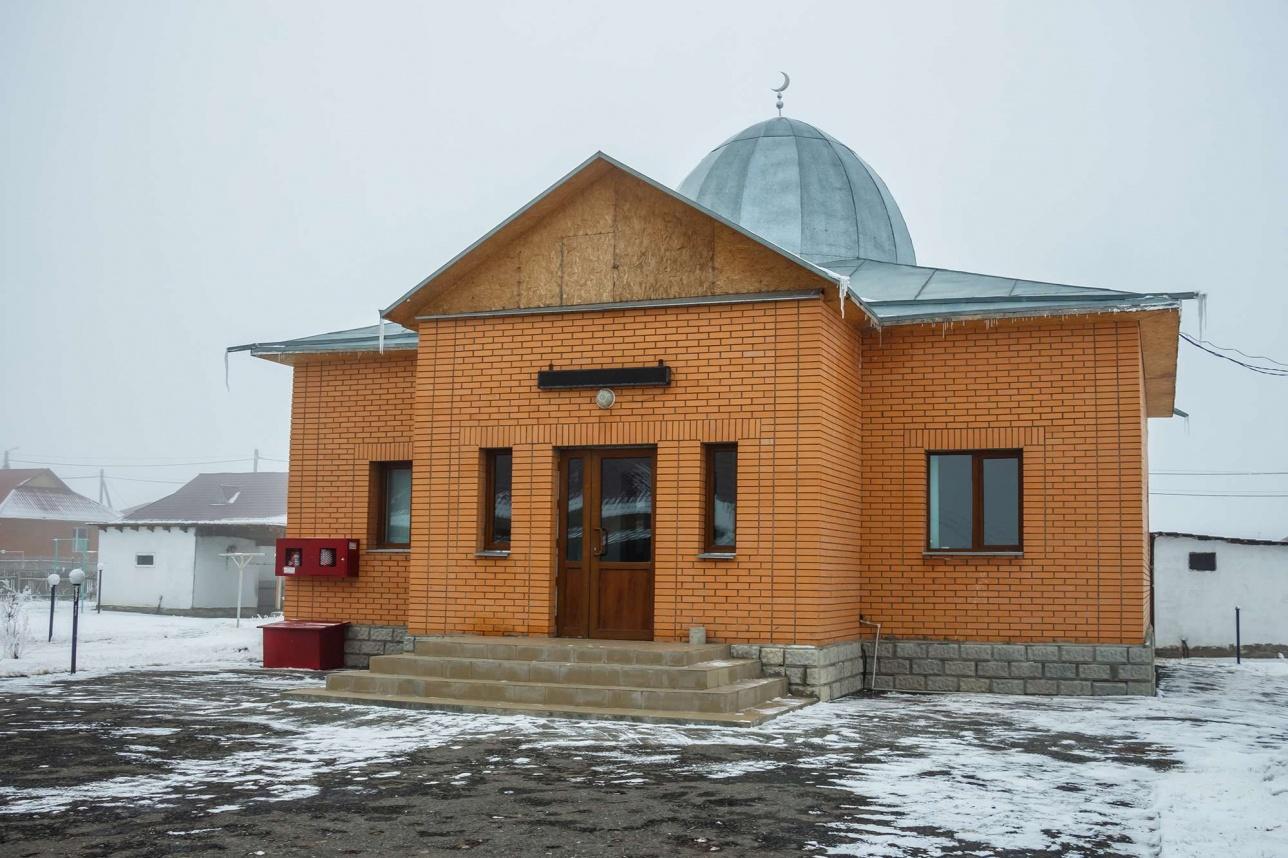 В центре города располагается небольшая мечеть