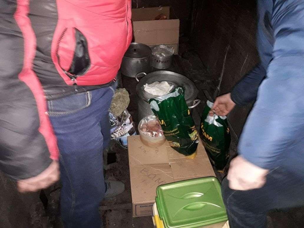 """Для питания шахтёров организовали """"полевую кухню"""""""