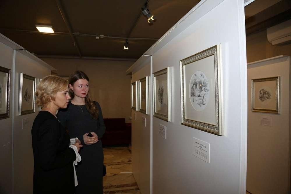 Выставка проходит в крупнейшем в России Антикварном центре