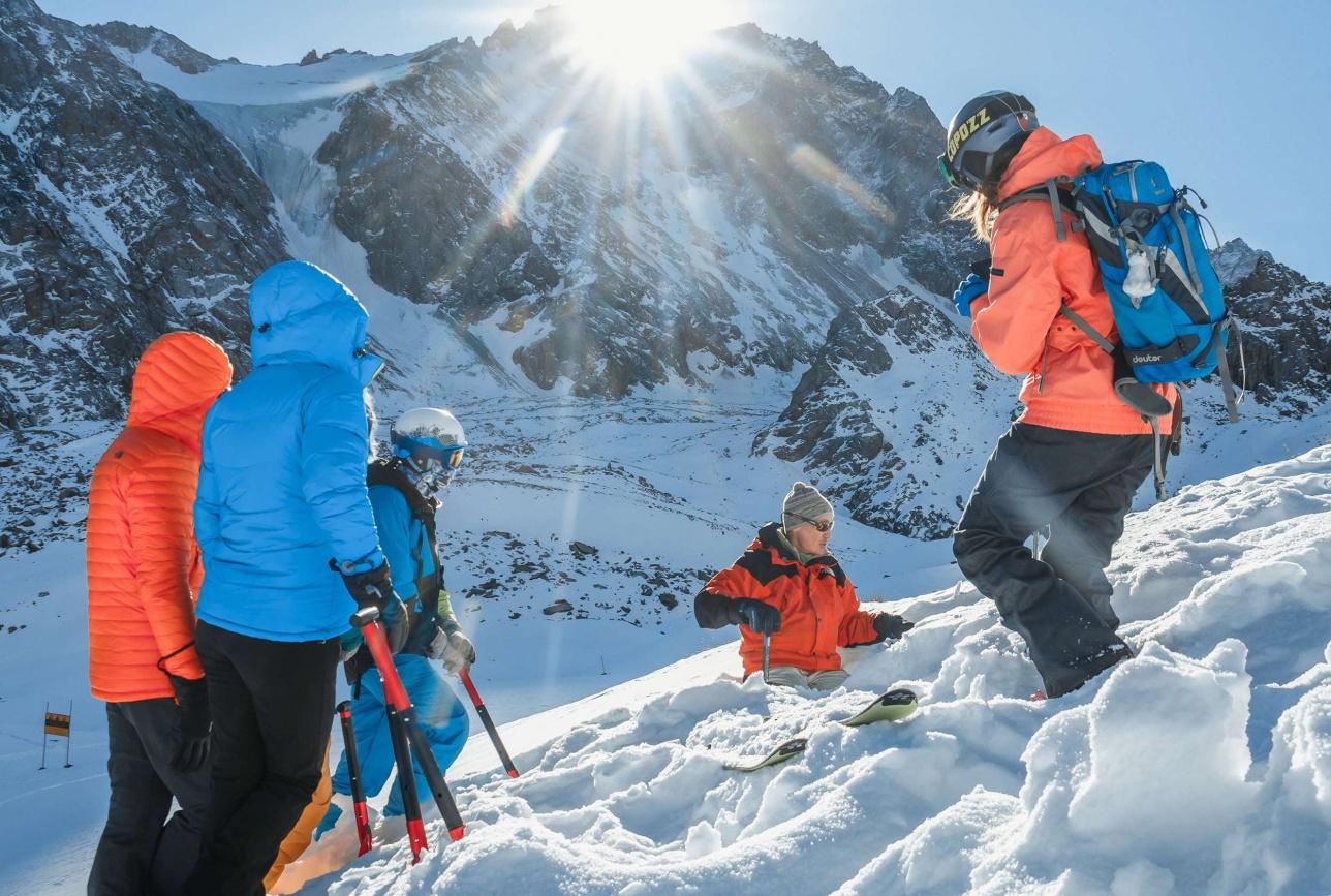 Лыжники и сноубордисты учились, как не погибнуть при сходе лавины
