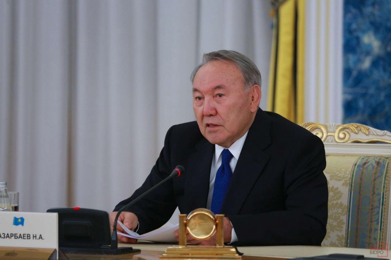 Нурсултан Назарбаев на встрече с президентом Кыргызстана
