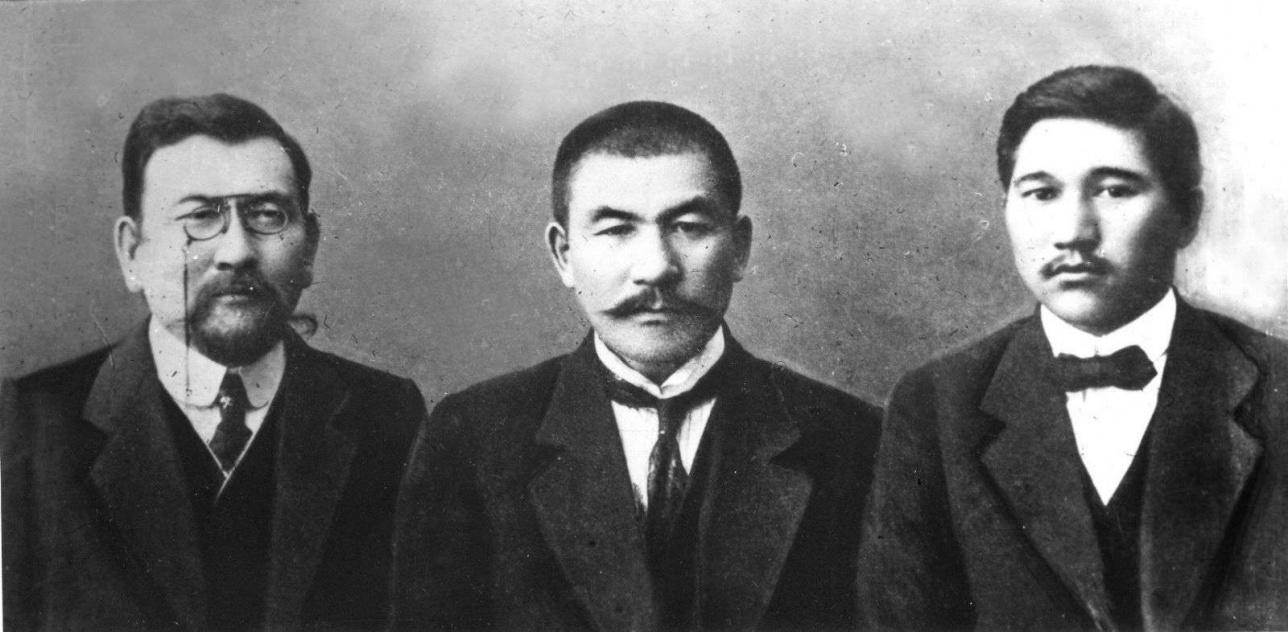 Лидеры партии «Алаш» - Байтурсынов, Букейханов, Дулатов