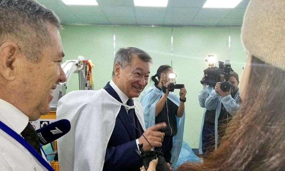 Даниал Ахметов посетил медучреждения Усть-Каменогорска