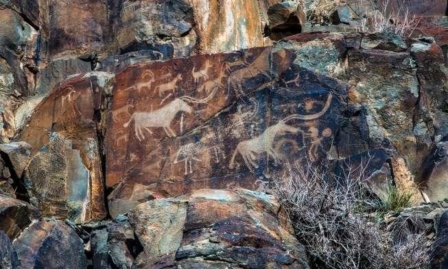Еліміздегі шатқалдарда бедерленген таңбалар көне дәуір тілінде сөйлеп тұр