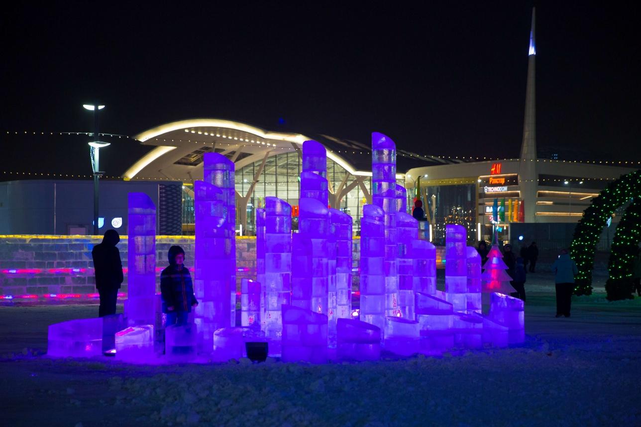 Ледяной городок возле главной ёлки