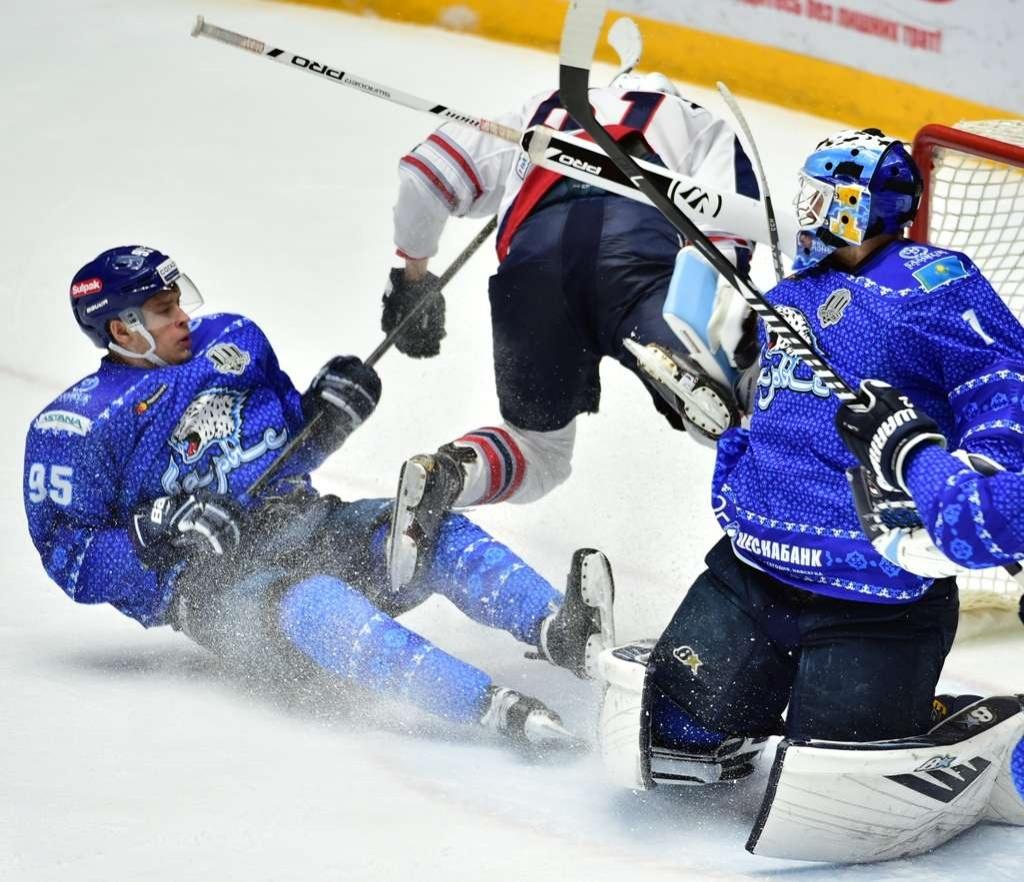 Лидер казахстанского хоккея переживает тяжелейший кризис