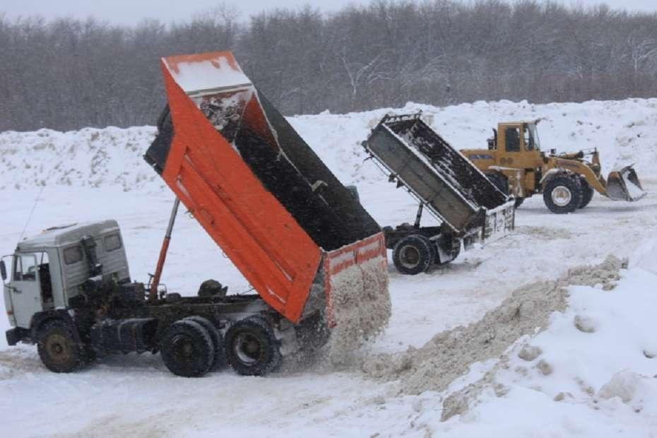 В ЗКО не хватает техники для уборке трасс от снега