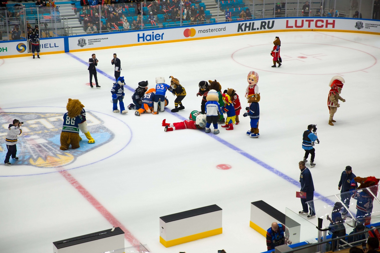 Талисманы команд КХЛ регулярно шуточно дрались друг с другом