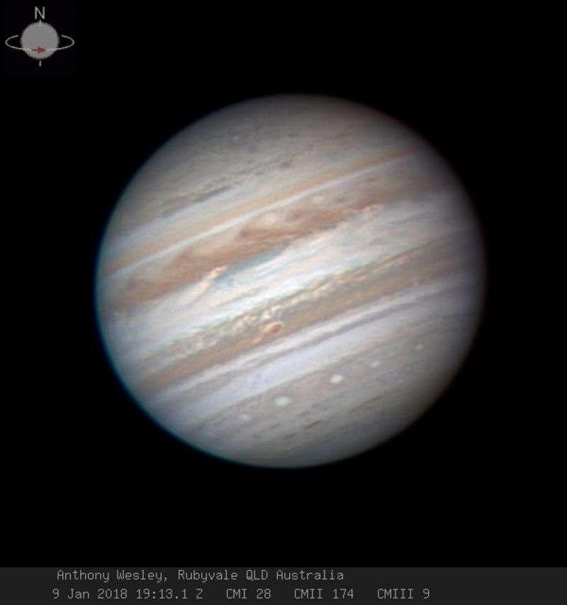 Космический аппарат снял облака Юпитера