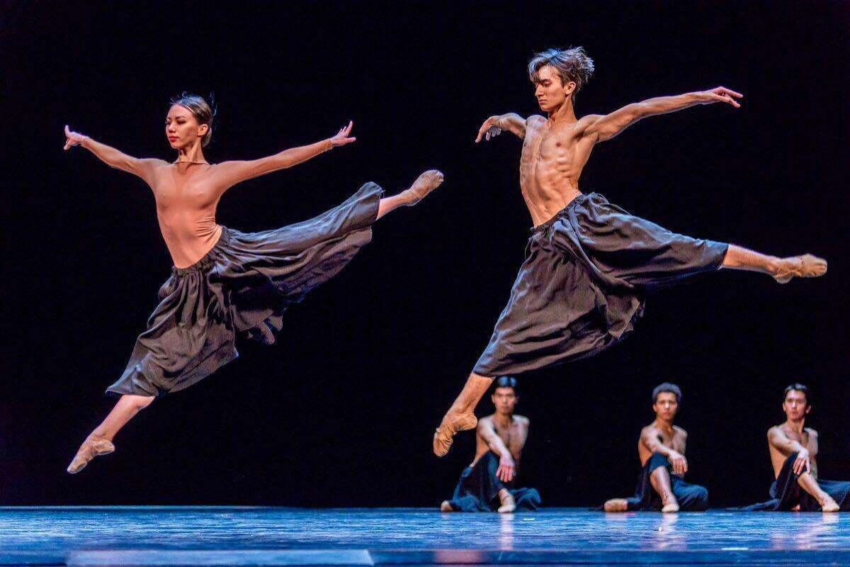 Артисты балета на сцене в Нью-Йорке