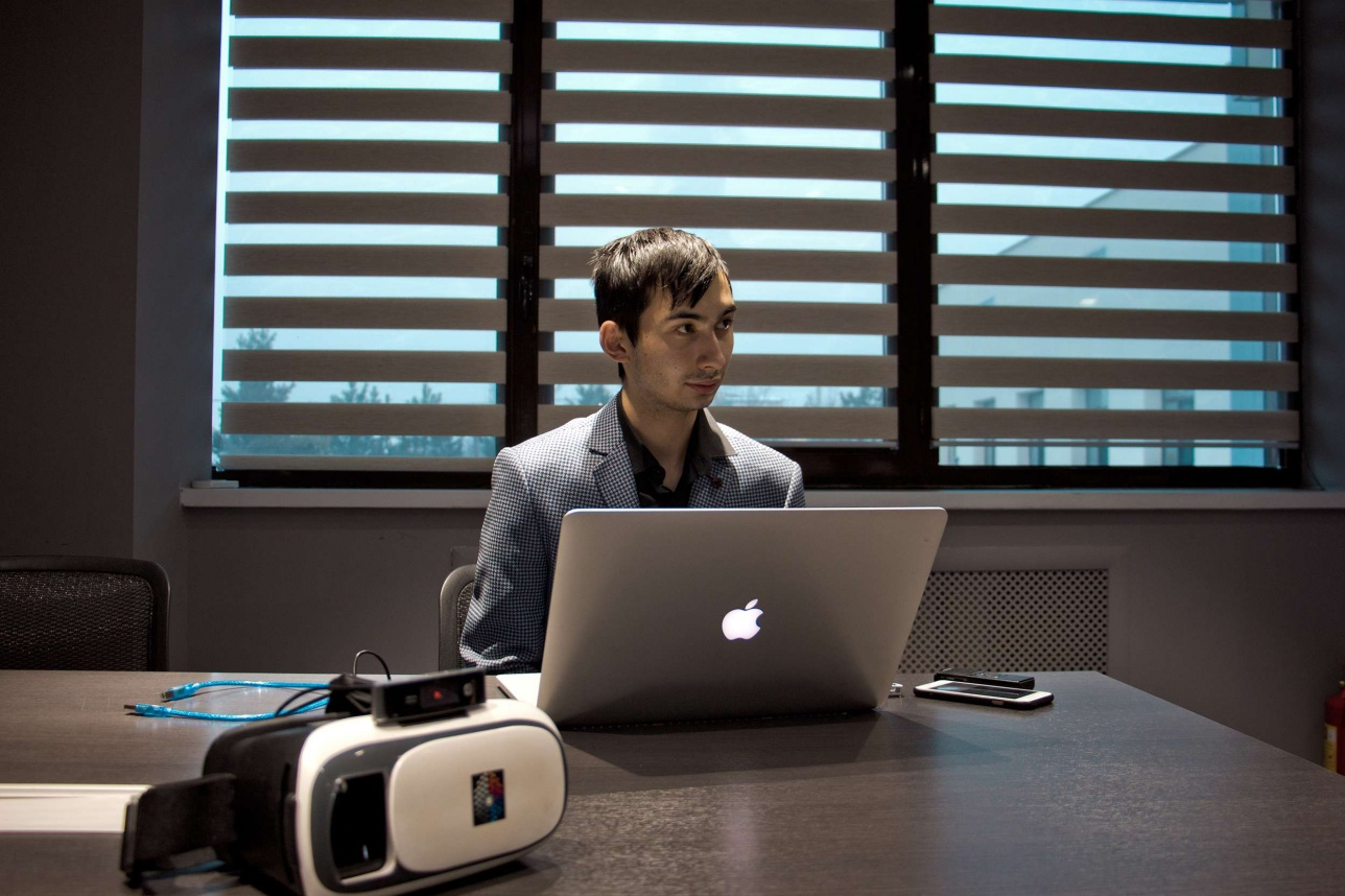 Тимур показал журналистам работающий прототип своего устройства