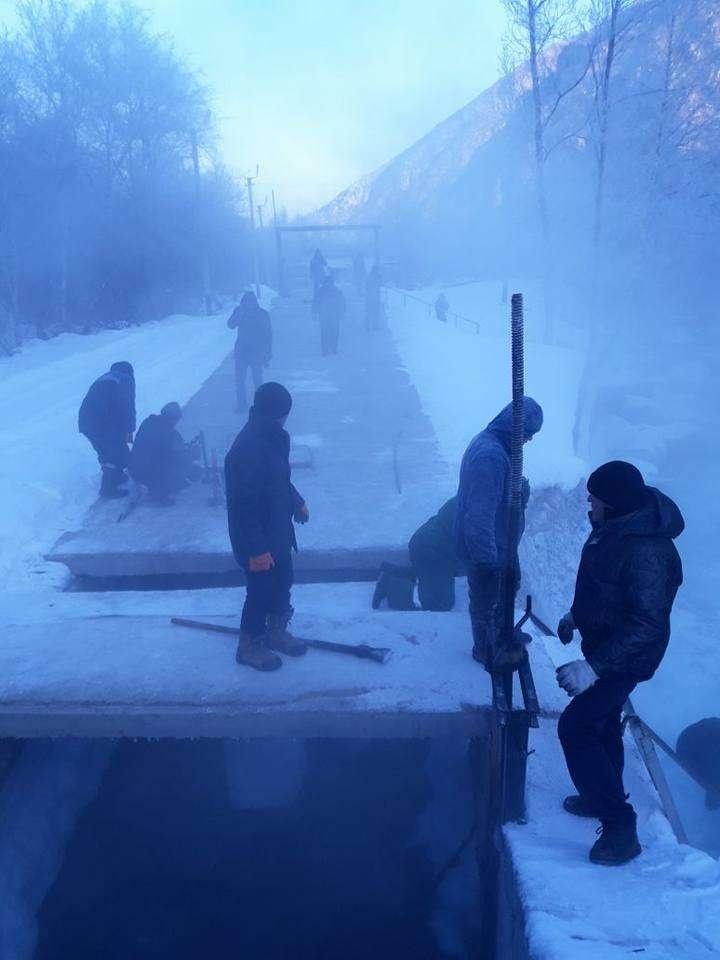 В Талгаре на водоводах возникли заторы льда