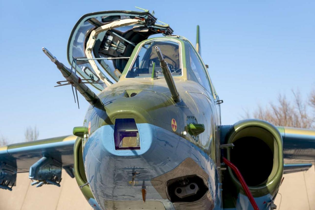 На Су-25 УБМ полностью заменена авионика