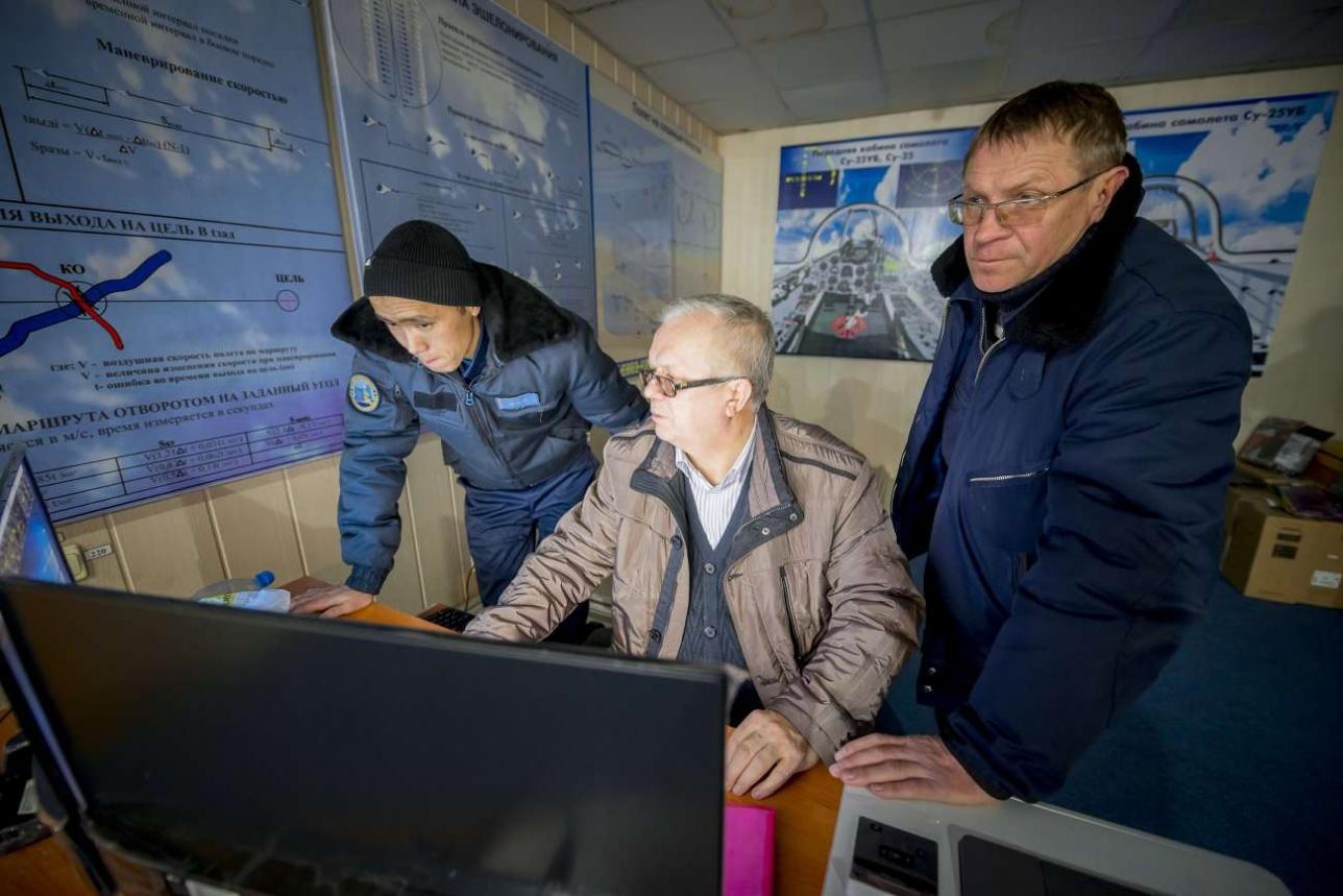 Специалисты 558-го АРЗ из белорусских Барановичей тренируют казахстанских летчиков