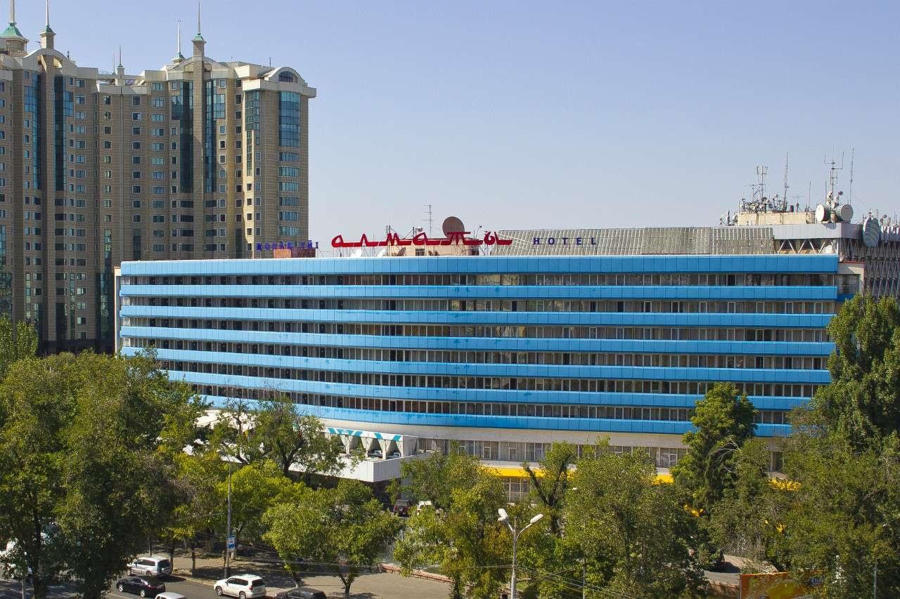Отделка гостиницы синим алюкобондом поле первой реконструкции
