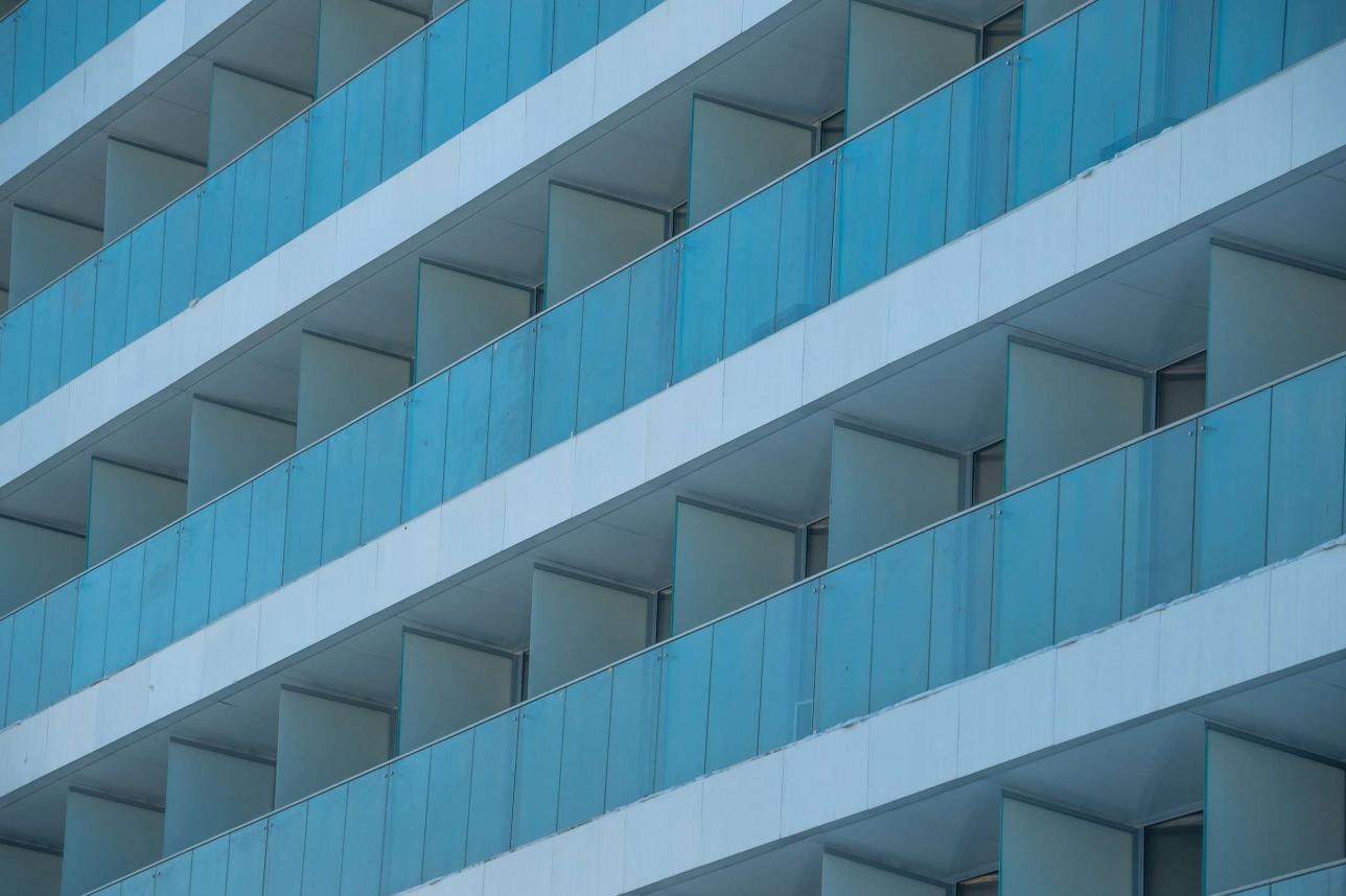 Ограждения балконов из прозрачного стекла