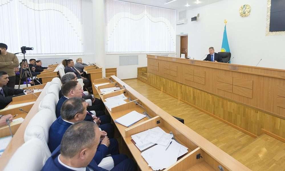 Даниал Ахметов провёл первую лекцию сельским акимам по управлению бюджетом