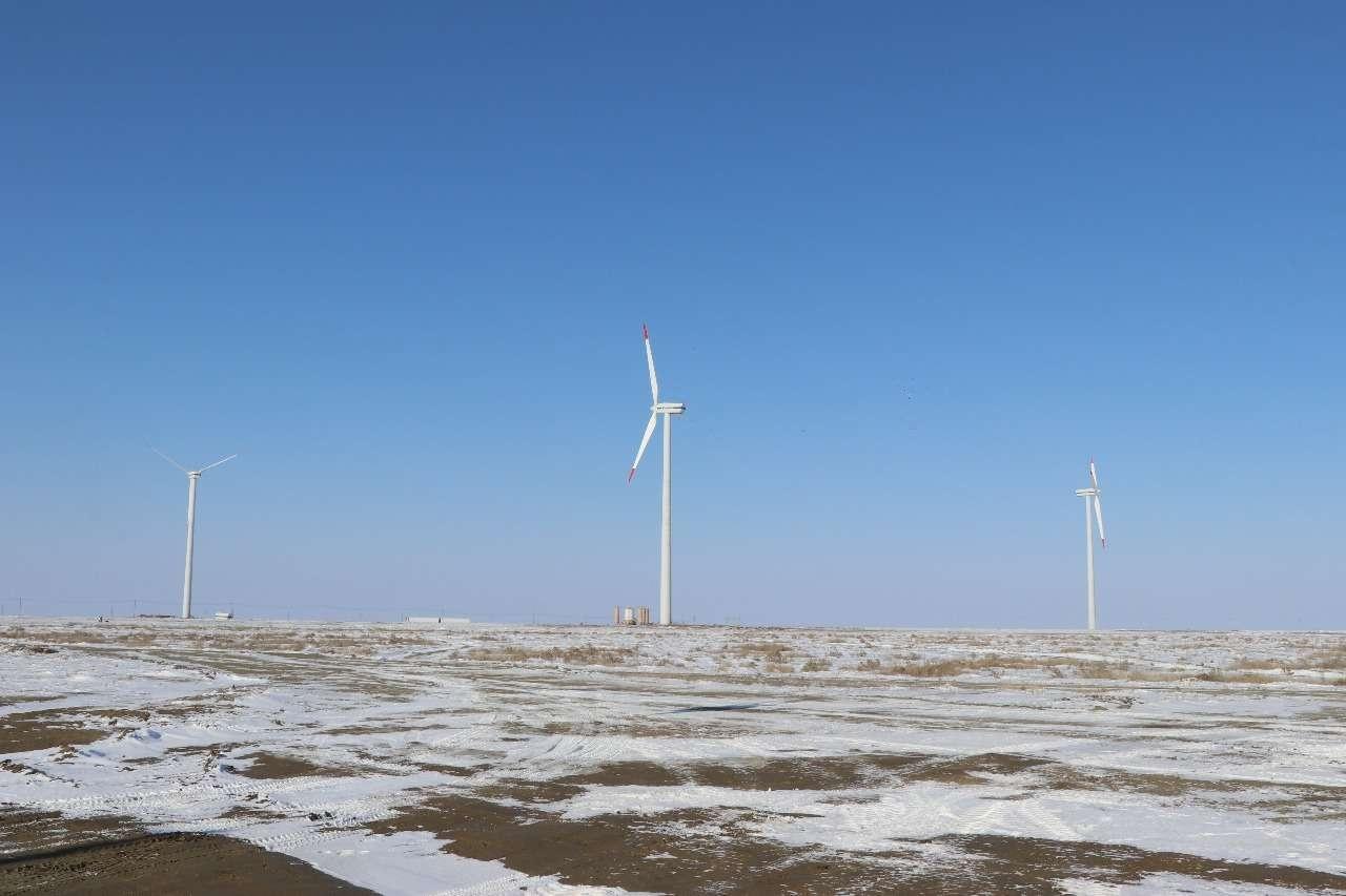 Ветряная электростанция возводится в Атырауской области впервые