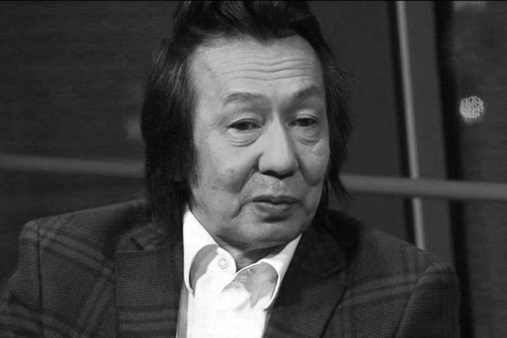 Писатель-драматург Рахымжан Отарбаев