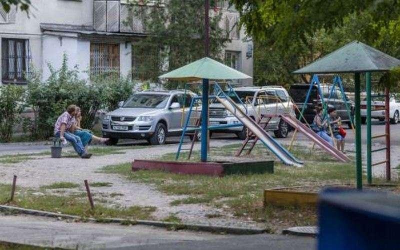 Старые площадки можно увидеть во дворах Алматы