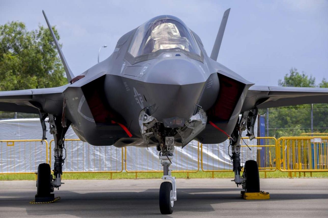 Представленная на Singapore Airshow -2018 модификация F-35B предназначена для посадки на авианосцы