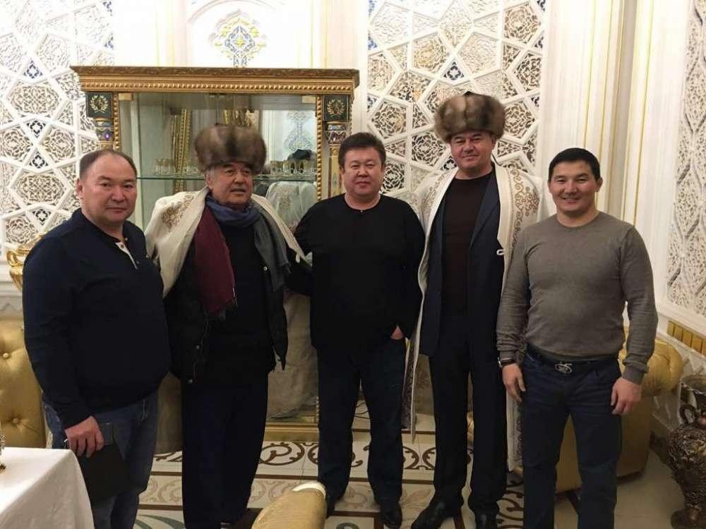Фотография депутата с Салимом Абдуалиевым