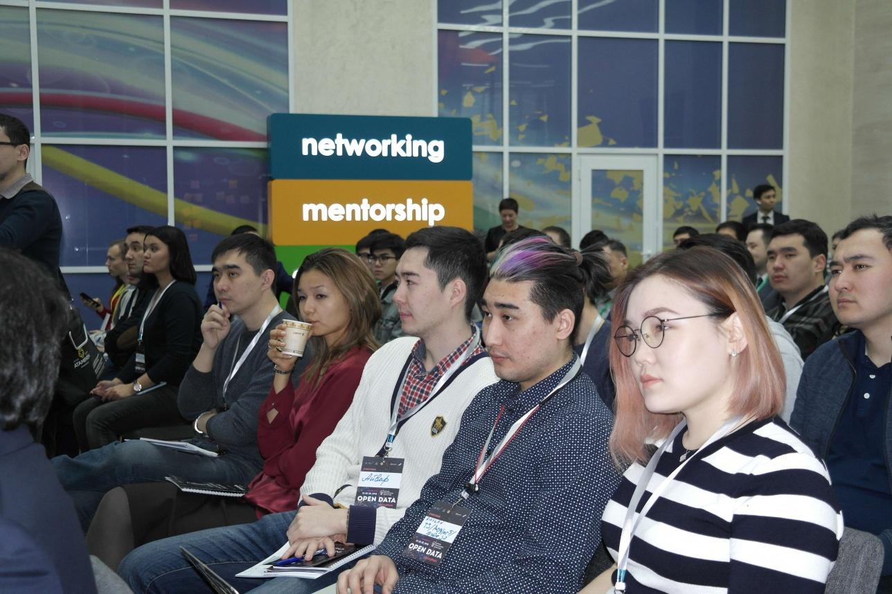 Участники Открытого диалога
