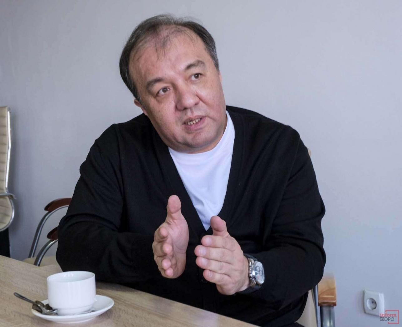 Олжас Байканов много лет был концертным директором певца