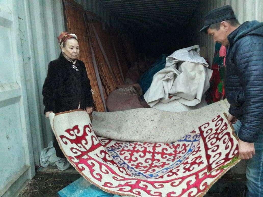 Патшагүл Жанасбайқызы киіз үйлер су болмау үшін контейнерде сақтаған жөн дейді