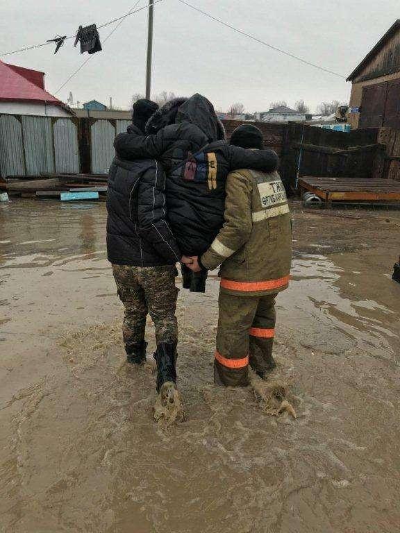 Эвакуация людей в Аягозском районе