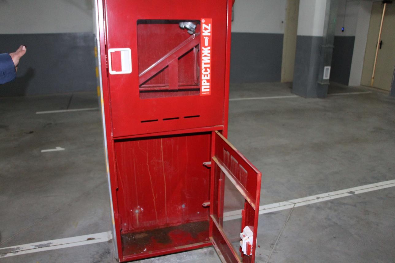 Ящики для огнетушителей пустые