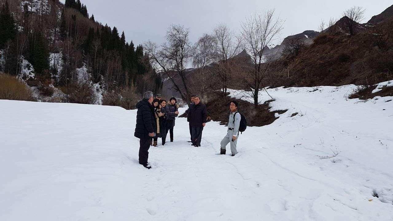 Японская делегация ищет в Алматинской области места захоронений военнопленных