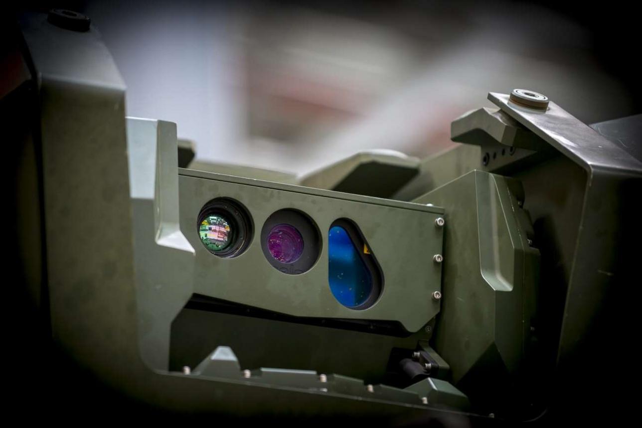 Тепловизор, оптическая система и лазерный дальномер работают в комплексе