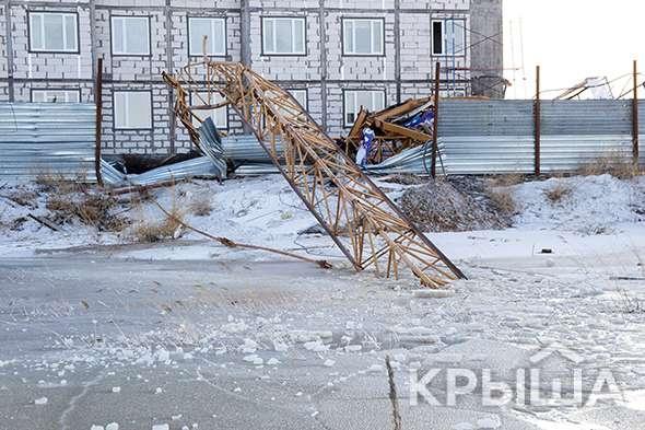 """Башенный кран рухнул стройплощадке комплекса """"Ак Дидар"""""""