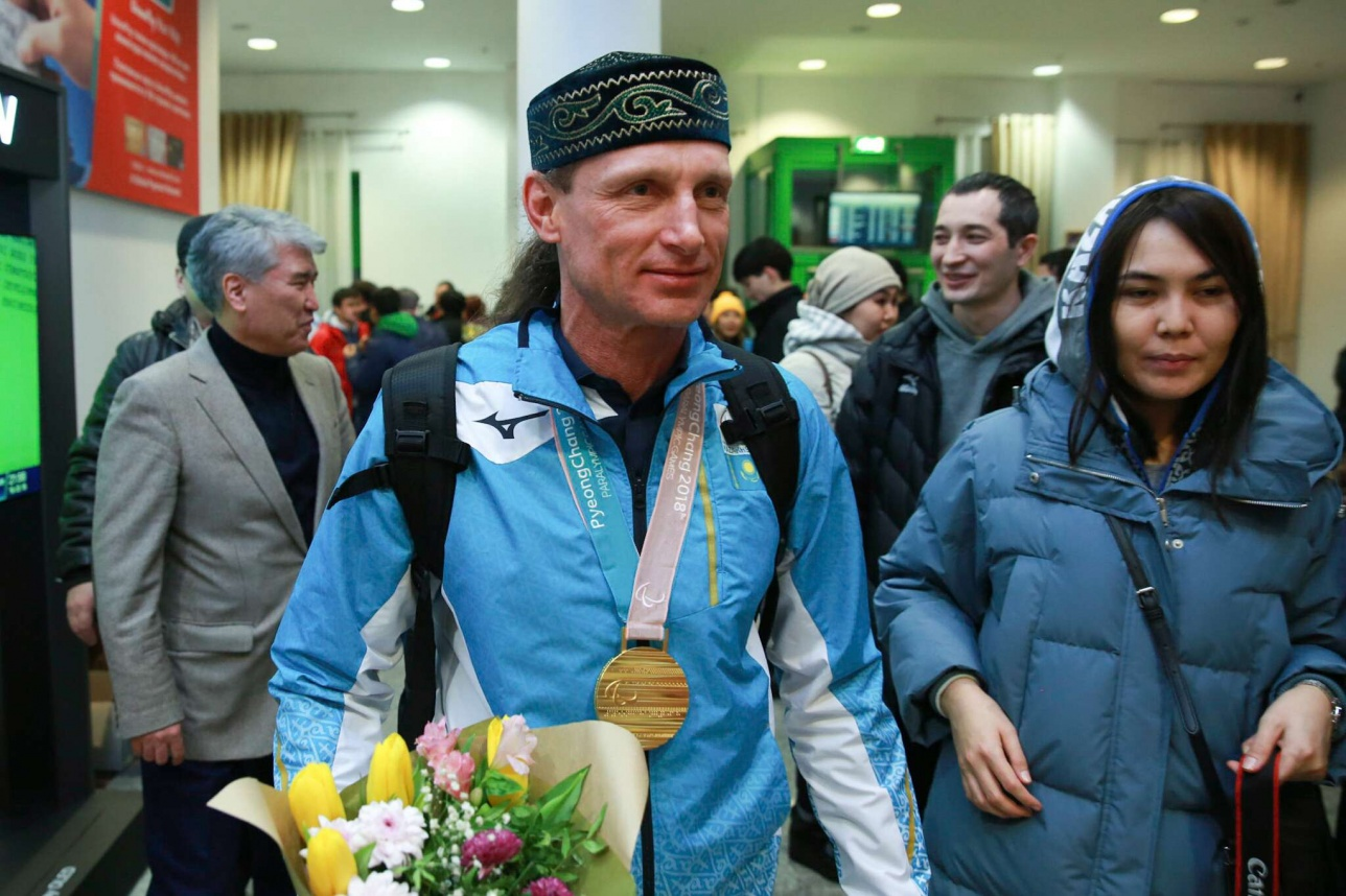 Паралимпийский чемпион Александр Колядин