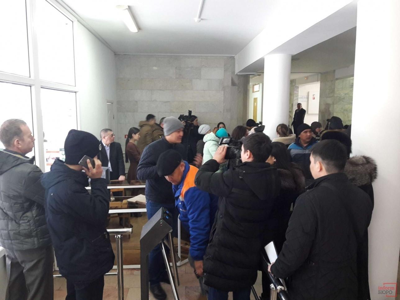 Жители Уральска требуют выдать им медпрепараты