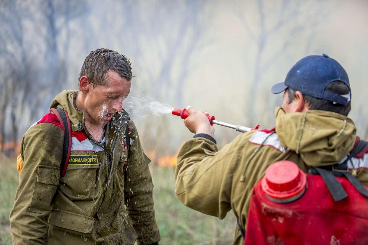 Ранцевые огнетушители очень помогают в сложных ситуациях