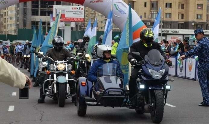 Поддержать велосипедистов прибыли