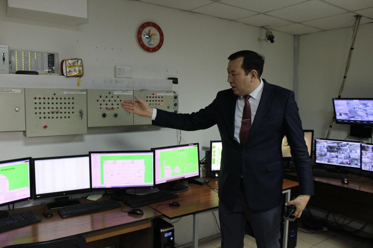 Вся информация о работе автоматических систем пожарной безопасности выводится для удобства на мониторы