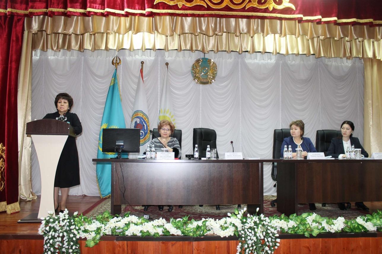 Загипа Балиева на встрече с избирателями в алматинской школе