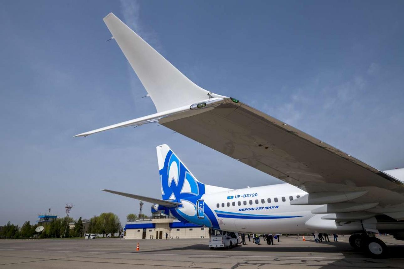 Самолет оснащен инновационными Х-образными винглетами
