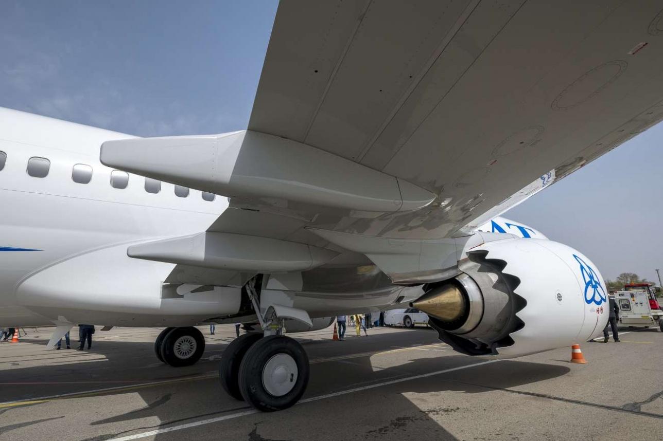 Внешне новый самолет существенно заметно отличается от предыдущих моделей