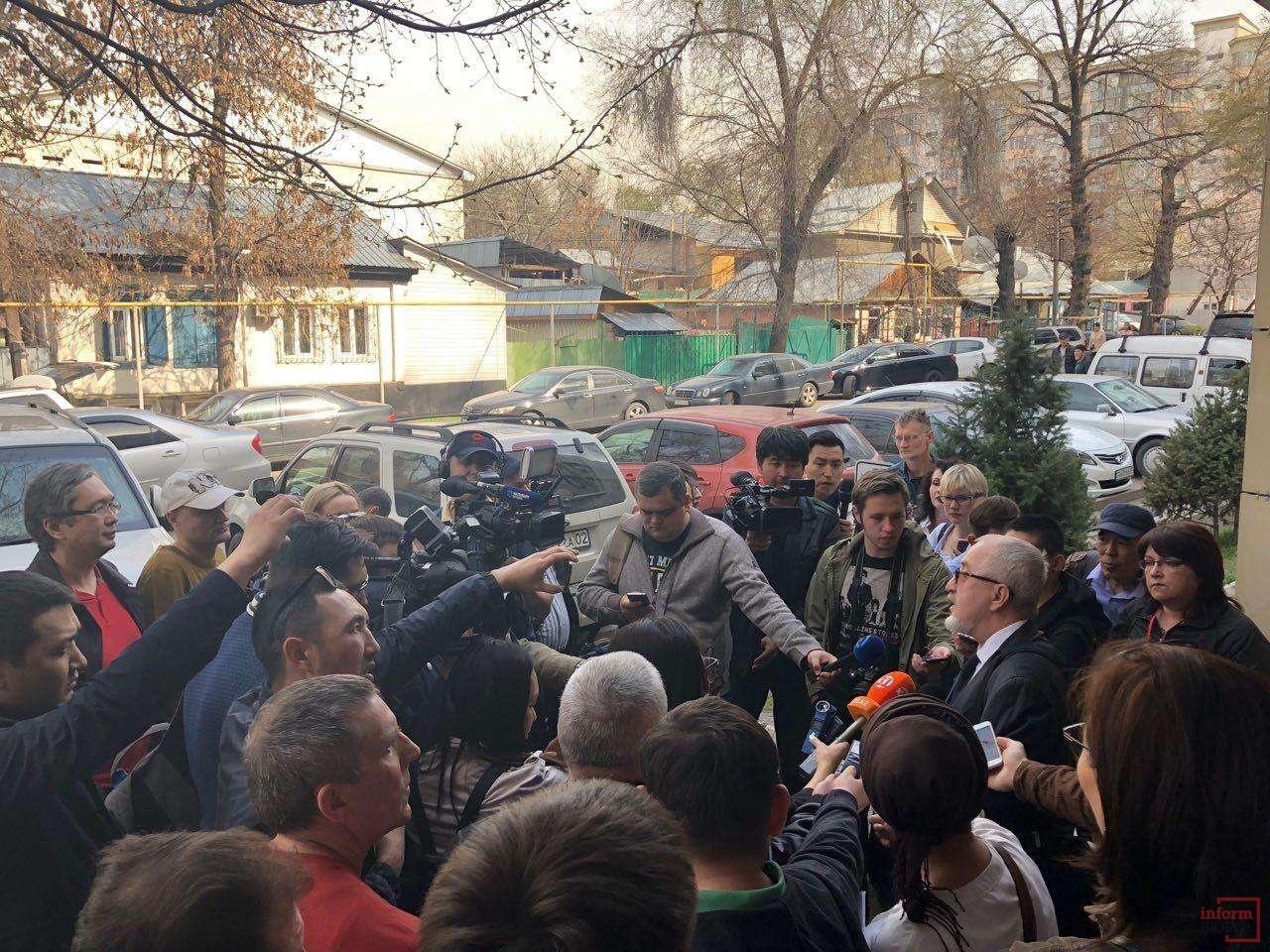 СМИ у суда над Ratel.kz