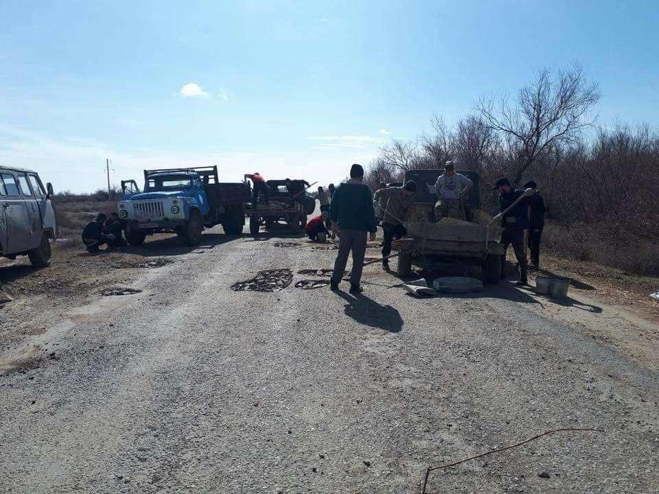 Сельчане самостоятельно отремонтировали 35 км дороги