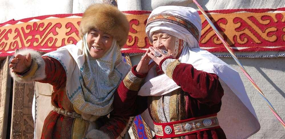 Кимешек киген қазақ аналары