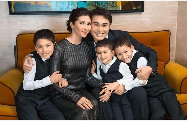 Арман Давлетьяров с семьёй